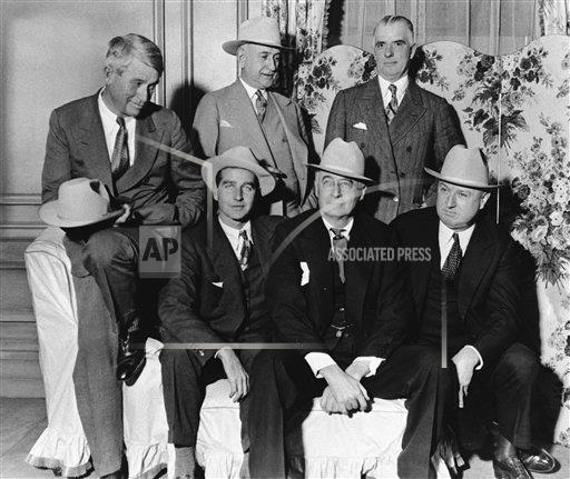 Watchf AP A  NY USA APHS387338 Will Rogers