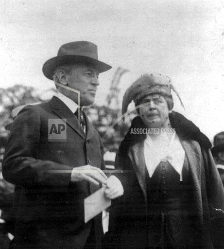 Associated Press Domestic News Dist. of Columbia United States PRESIDENT WILSON FIRST LADY