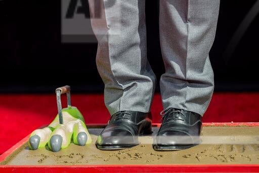Billy Crystal Hand and Footprint Ceremony - 2019 10th Annual TCM Classic Film Festival