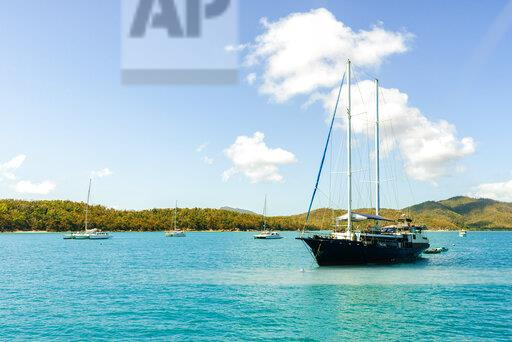 Australia, Queensland, Whitsunday Islands, boats and ship in water