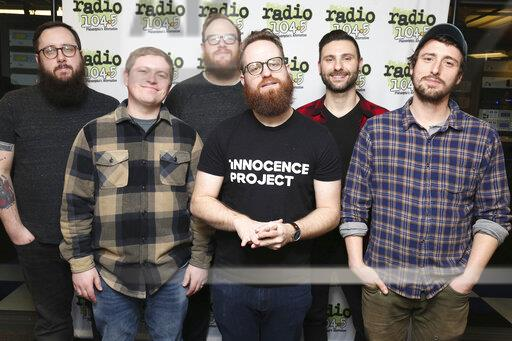 Wonder Years visit Radio 104.5