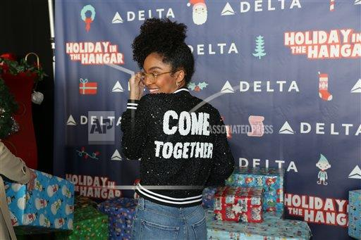 ABERL AP A ENT TV California USA NYWWP Delta hosts Holiday at the Hangar