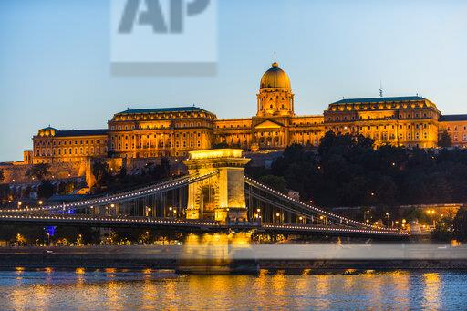 Hungary, Budapest, Buda Castle and chain bridge at dusk
