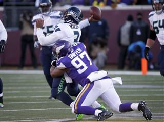 Everson Griffen, Russell Wilson