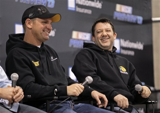 Clint Bowyer, Tony Stewart