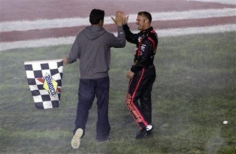 Clint Bowyer, Michael Waltrip