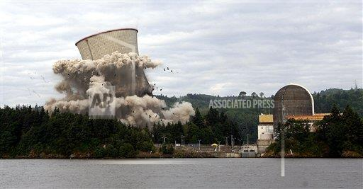 AP A OR USA NUCLEAR TOWER IMPLOSION