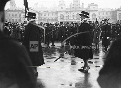 Watchf AP I   XEN APHSL26284 Funeral of King George V