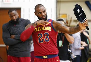 LeBron James, Kendrick Perkins