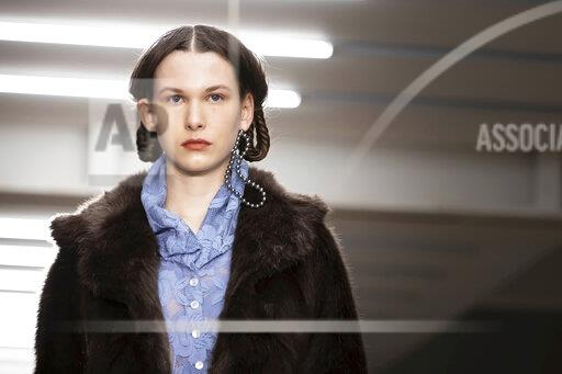 Britain London Fashion A/W Yuhan Wang 2020