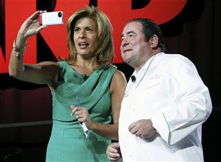 Emeril Lagasse, Hoda Kotb