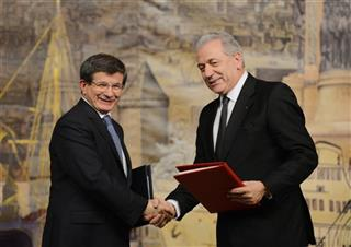 Dimitris Amramopoulos, Ahmet Davutoglu
