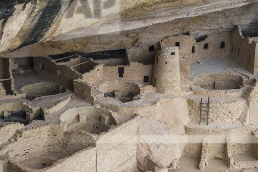 USA, Colorado, Mesa Verde National Park, Cliff Palace, indian dwelling