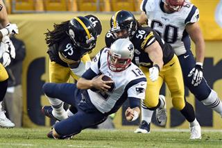 Tom Brady, Jarvis Jones, Anthony Chickillo