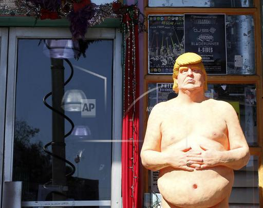 Naked Trump-Auction