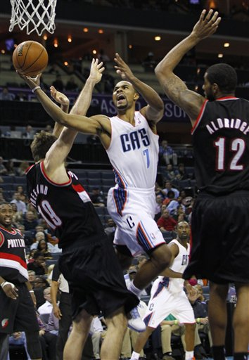 Ramon Sessions, Joel Freeland, LaMarcus Aldridge