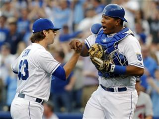 Salvador Perez, Aaron Crow