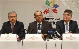 Felipe Larrain, Luis Castilla, Mauricio Cardenas