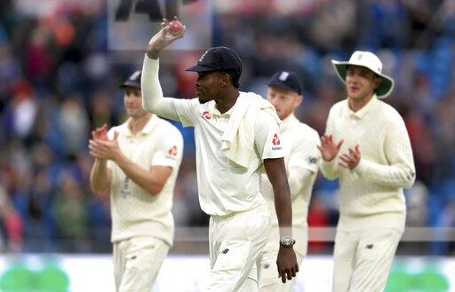 England v Australia - Third Test - Day One - 2019 Ashes Series - Headingley