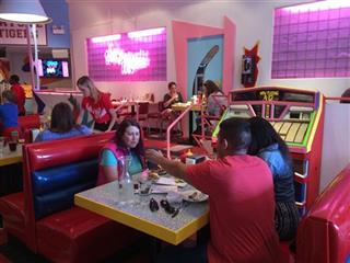 Saved By The Bell-Pop-Up Diner