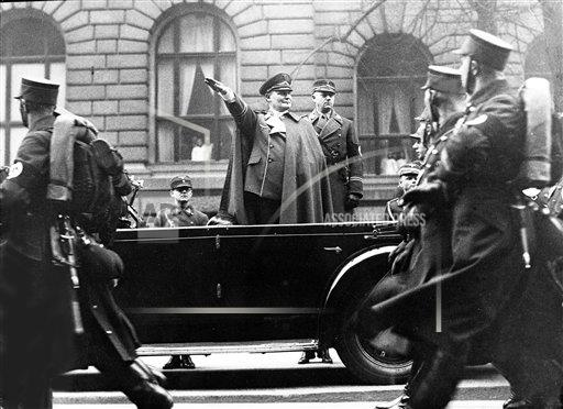 AP I GERMANY GOERING SALUTES STORMTROOPERS