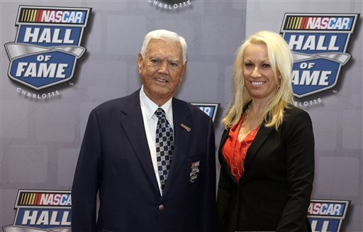 Junior Johnson, Lisa Johnson