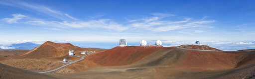 USA, Hawaii, Big Island, Volcano Mauna Kea, Mauna Kea Observatories, James Clerk Maxwell Telescope, Smithsonian Submillimeter Array, Subaru Telescope, Keck Observatory and NASA Infrared Telescope Facility