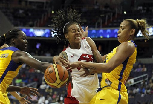 Seimone Augustus, Erika Cristina Dos Souza, Clarissa Cristina De Santos