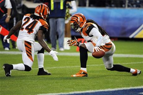 Reggie Nelson,  Adam Jones