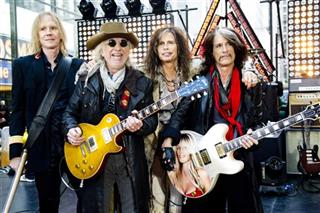 Steven Tyler, Joe Perry, Tom Hamilton, Brad Whitford