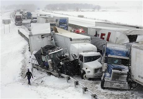 Late winter storm wallops Midwest, Northeast