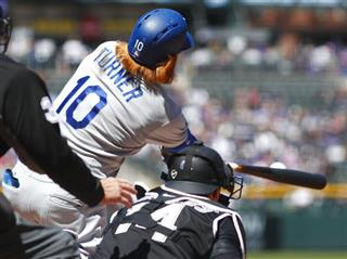 Justin Turner, Tony Wolters