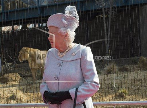 STRMX KGC-375/STAR MAX/IPx A ENT England United Kingdom IPX Queen Elizabeth II at the ZSL London Zoo - 3/17/16