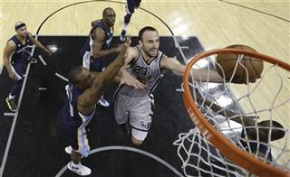 Manu Ginobili, Darrell Arthur