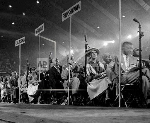 Watchf Associated Press Domestic News  Illinois United States APHS GOP Convention 1952
