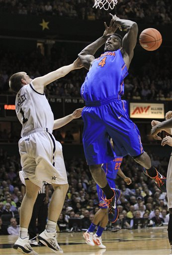 Patric Young, Brad Tinsley