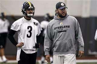 Ben Roethlisberger, Landry Jones