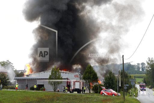 Gas cylinders exploded in warehouse fire