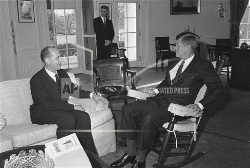 Watchf AP A  DC USA APHS264985 President John Kennedy and Giuseppe Codacci Pisanelli Talking  Rocking Chair