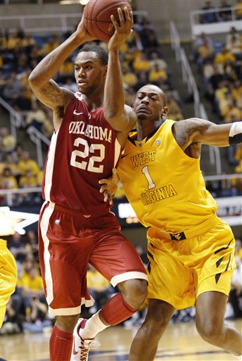 Amath M'Baye, Dominique Rutledge
