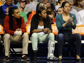 Tan White, Kara Lawson, Renee Montgomery