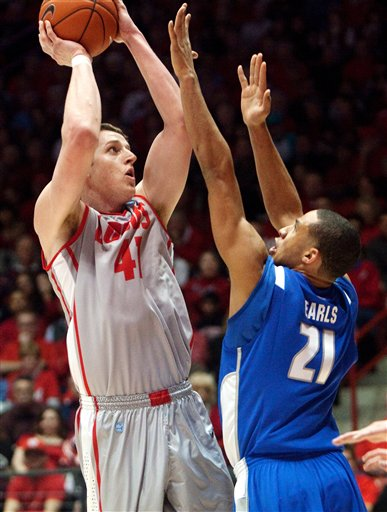 Cameron Bairstow, DeLovell Earls