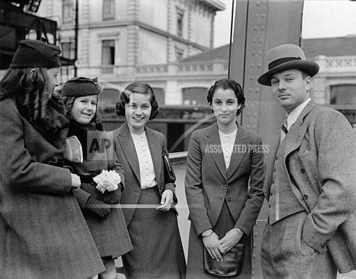 Associated Press International News England ENGLAND KING FAROUK SISTERS