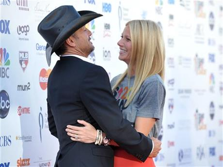 Tim McGraw, Gwyneth Paltrow
