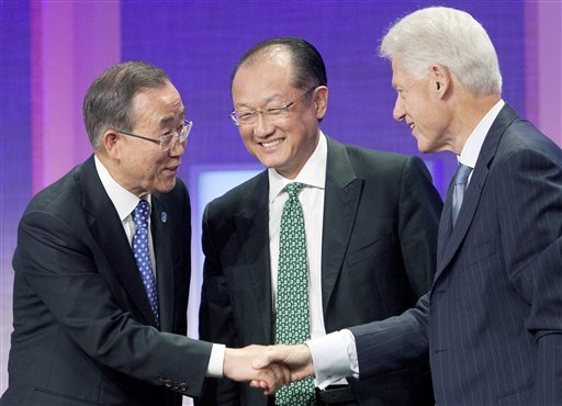 Bill Clinton, Ban Ki-Moon Jim Yong Kim