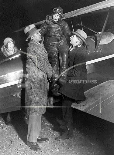 Watchf Associated Press Domestic News  New York United States APHS58614 FLYING FLAPPER