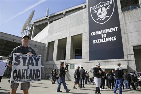 NFL owners approve Raiders' move from Oakland to Las Vegas