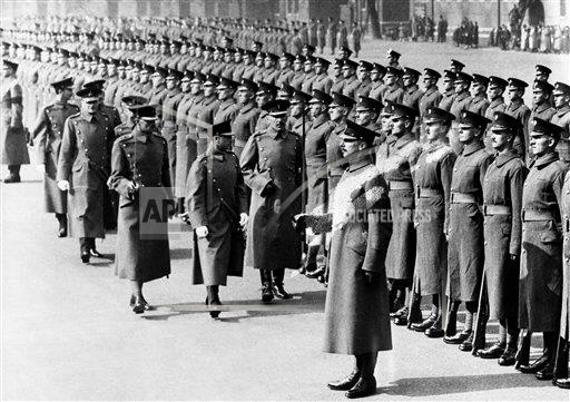 Watchf AP I   GBR XEN APHSL1 King Inspects The Grenadier Guards 1936