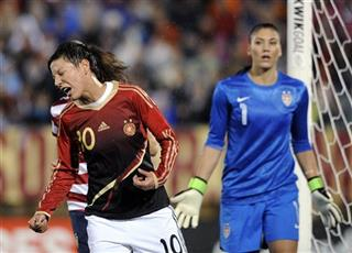 Linda Bresonik, Hope Solo