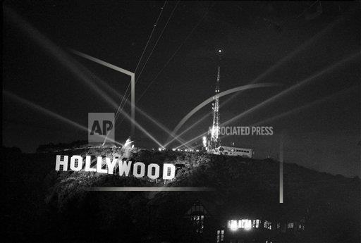Watchf AP A ENT CA USA APHS462573 Hollywood Sign 1978